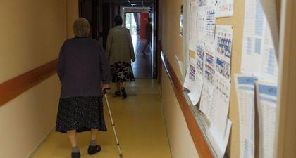 REPLAY - Pièces à conviction (France 3) : La triste réalité des maisons de retraite