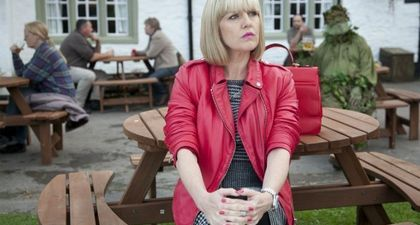 REPLAY - Agatha Raisin (France 3) : Une enquêtrice british déjantée