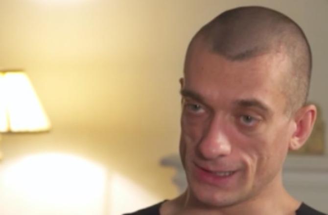 """Affaire Griveaux : Piotr Pavlenski assure à CNN avoir """"volé"""" la vidéo à sa compagne"""