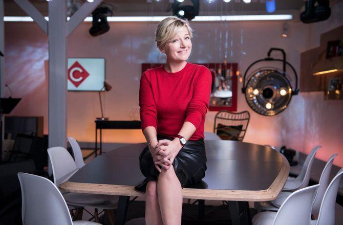 """Anne-Elisabeth Lemoine, femme de l'année Télé 7 jours : """"Je suis comme toutes les femmes et toutes les mamans"""""""