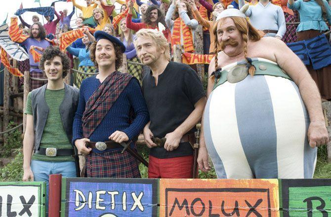 Astérix et Obélix : au service de Sa Majesté (M6) Édouard Baer en Astérix dandy