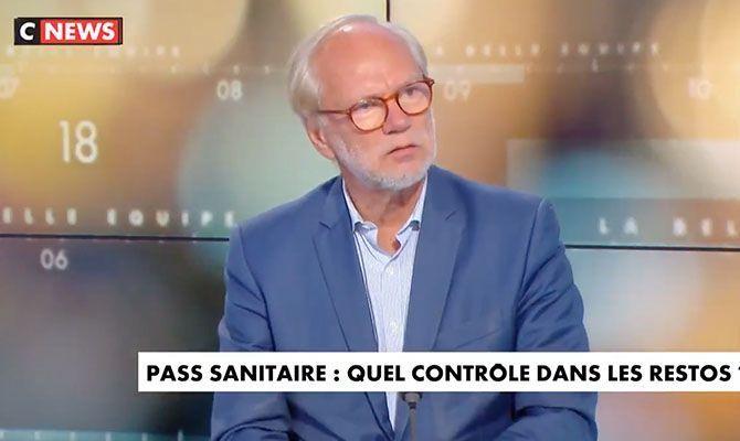 """""""Bande de crétins"""", """"Raté du Front National"""" : Francis Lalanne et Florian Philippot en prennent pour leur grade sur CNEWS (VIDEO)"""