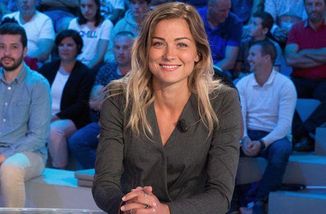 Canal Football Club Laure Boulleau Je N Imaginais Meme Pas Devenir Joueuse Professionnelle