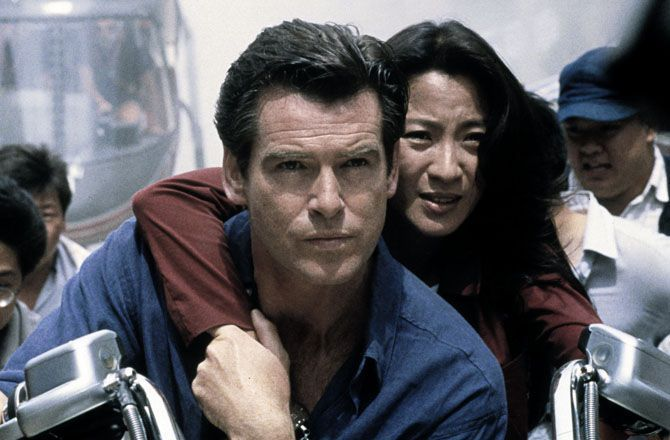 Demain ne meurt jamais (France 2) Bond, entre mythe et réalité