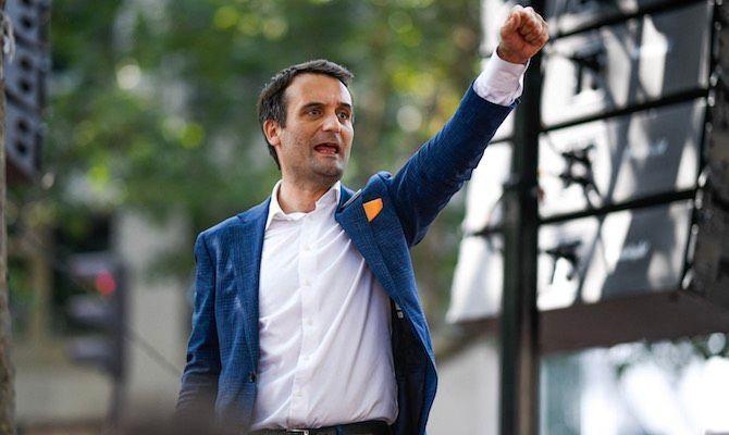 Florian Philippot s'est procuré un pass sanitaire pour se rendre à une manifestation anti-pass en Italie