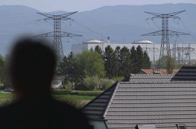 REPLAY - Infrarouge (France 2) : leur vie à Fessenheim - Télé 7 Jours