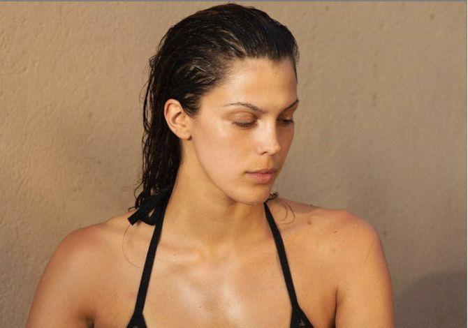 Iris Mittenaere dénonce les critiques de ses photos sans maquillage