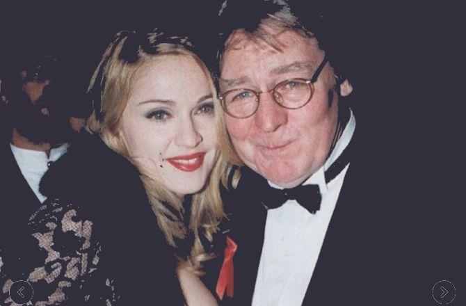 Mort d'Alan Parker : Madonna rend hommage au réalisateur d'Evita et Fame