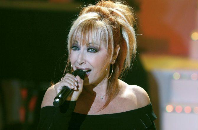Mort De Rose Laurens La Chanteuse De Africa News Tele 7 Jours