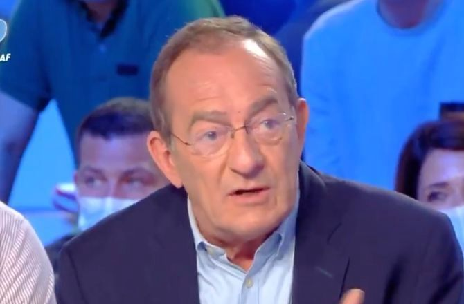 """""""On est là pour être soigné par les médecins, pas seulement par les vaccins"""" : Jean-Pierre Pernaut tranchant dans TPMP (VIDEO)"""