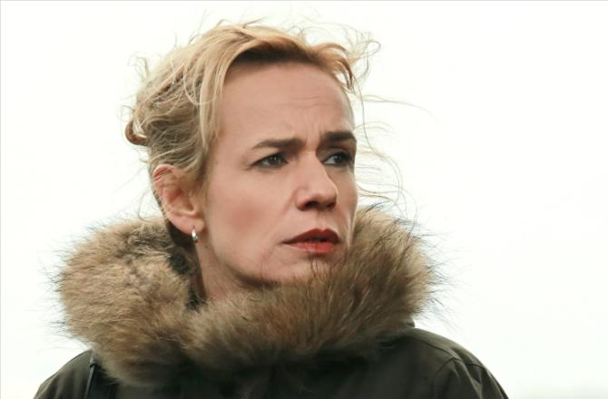 """Rouge Sang (France 2) : Sandrine Bonnaire : """"Je peux fronder un homme sans problème"""""""