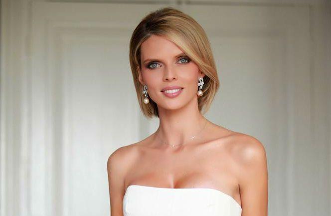 Sylvie Tellier S En Prend Au Concours De Miss Univers News Tele 7