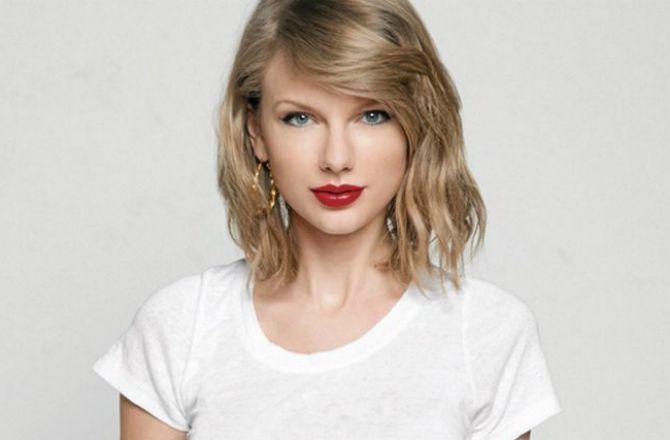 Taylor Swift offre 6 000 dollars à une fan pour ses frais de scolarité