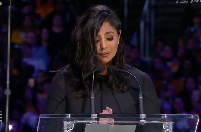 Vanessa Bryant digne et forte, rend hommage éprouvant à son mari Kobe et leur fille Gianna (VIDEO)