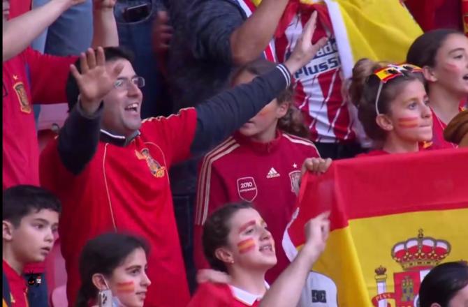 Xavier Dupont de Ligonnès : ce supporter du match Espagne / Italie a intrigué les internautes...