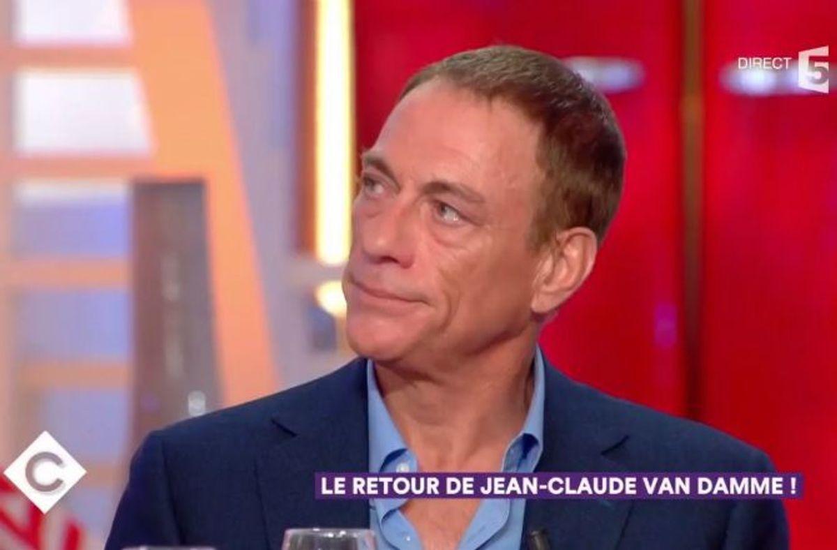 VIDEO - C à Vous (France 5) : Jean-Claude Van Damme très ému en découvrant  un message de ses parents